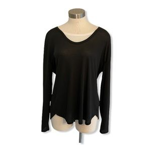 Vince Top Black Lightweight White Layered Neck